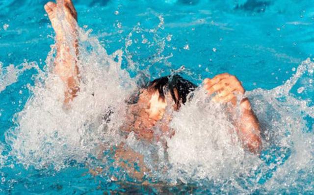 Bạn đã biết sơ cứu đúng cách người bị đuối nước?